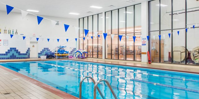 Rich results on Google image when searching for 'swimming pools in gyms'