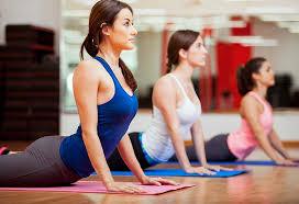 girls doing yoga at psb fitness