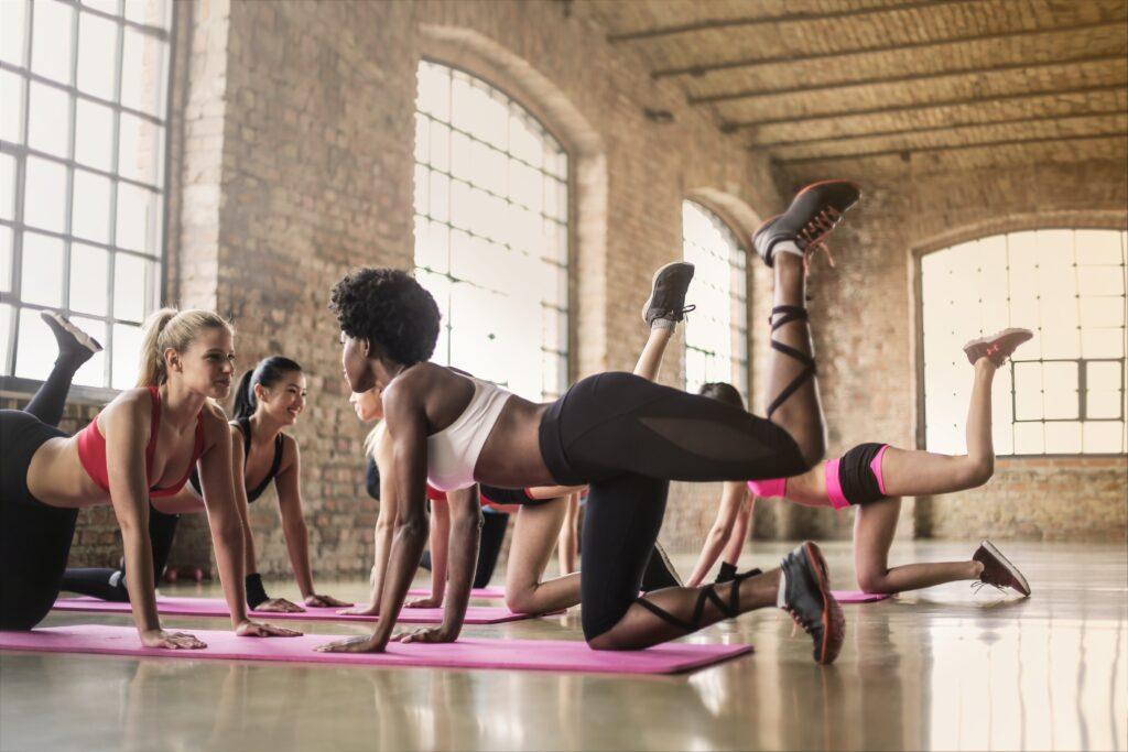"""alt tag<""""girls-workout-together-fitness-Celebrity-Trainer"""">"""